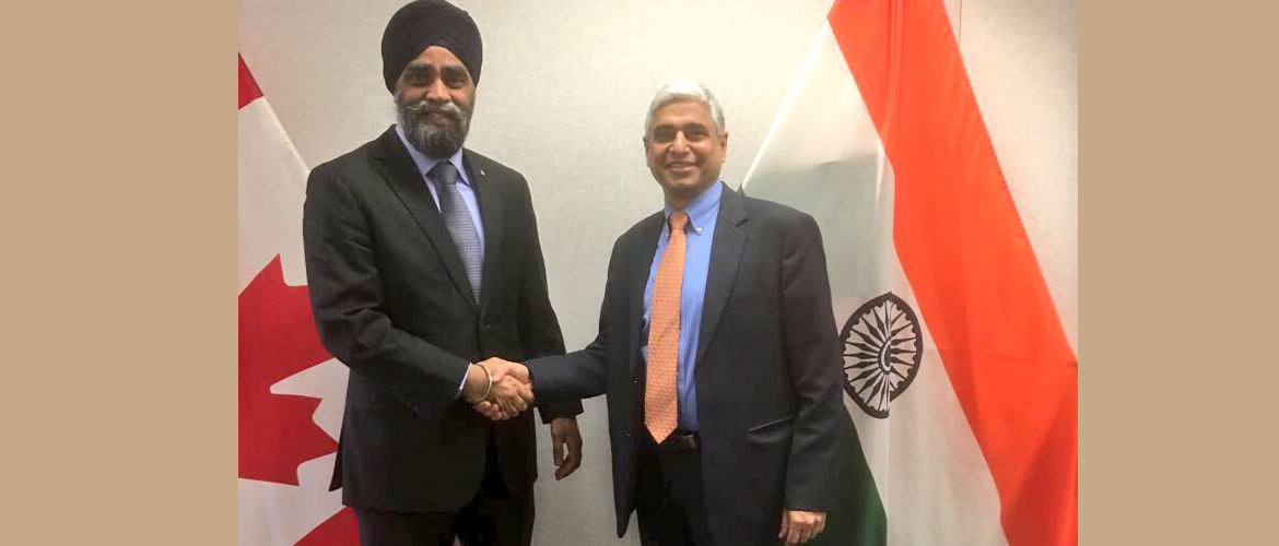 H.E. Mr. Vikas Swarup with Hon. Harjit Sajjan, Minister of Defence on Apr 13, 2017