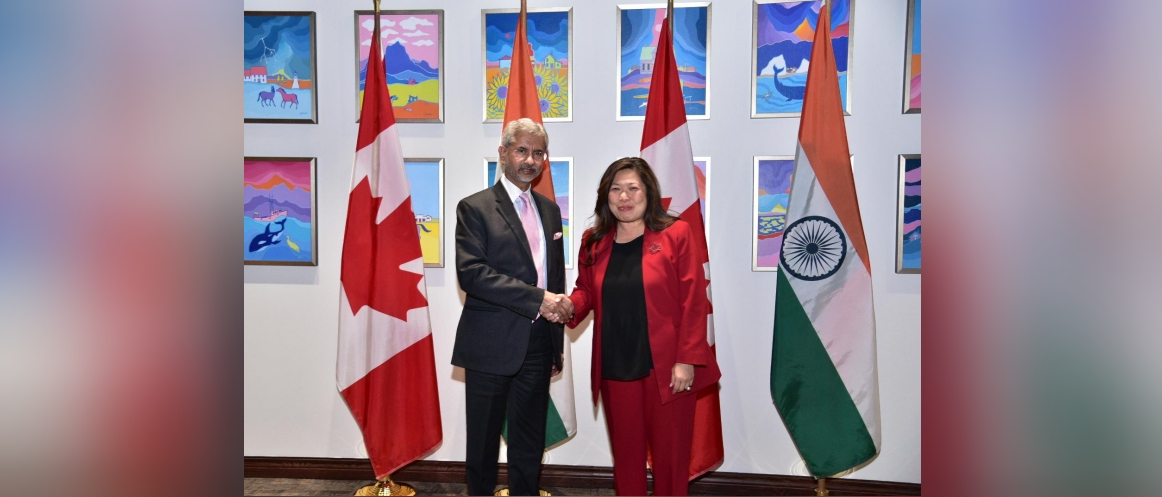 EAM also had a meeting with Canadian Minister of Small Business and Export Promotion, Ms. Mary Ng during his visit on Dec 19, 2019.